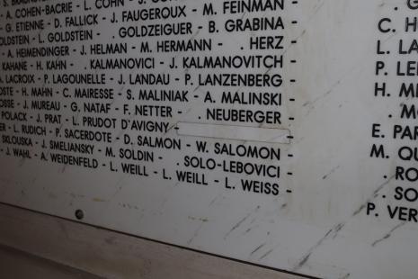 Monument aux morts de la faculté de médecine Paris-Descartes, à Paris